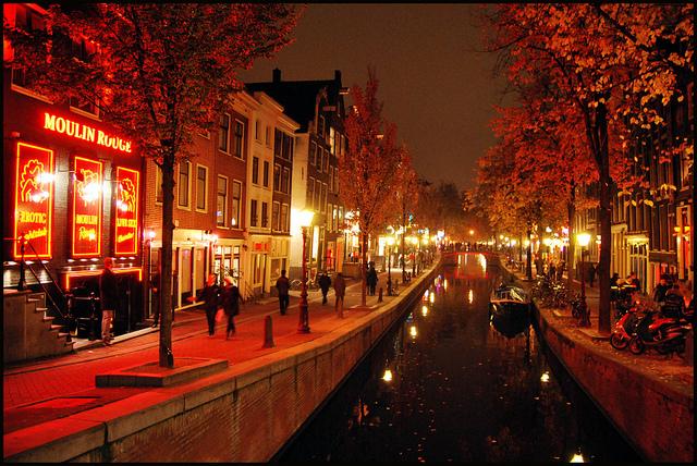 Spectacles osés dans le Quartier Rouge d'Amsterdam